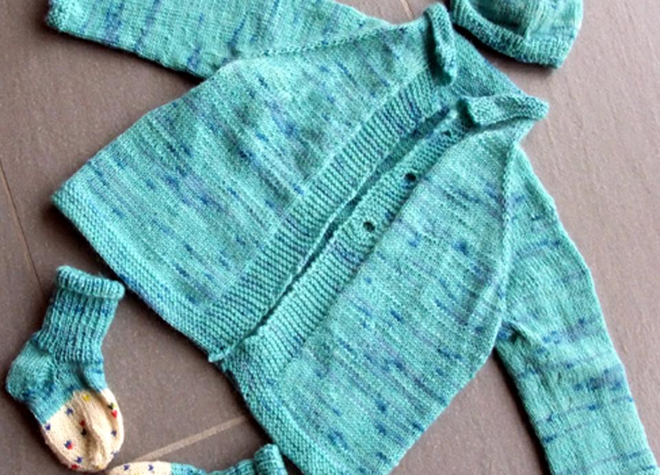 Gestrickte Babyausstattung von thecookingknitter.com