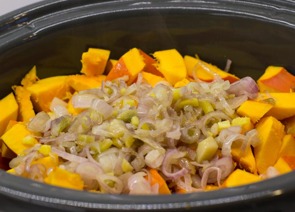 Kürbissuppe aus dem Slowcooker by thecookingknitter.com