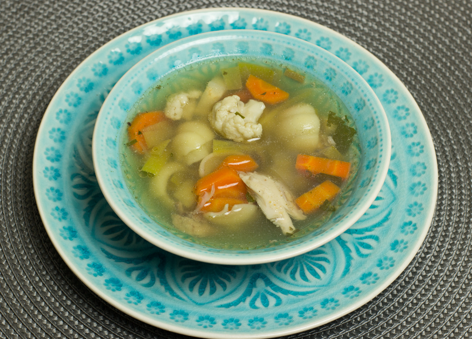 Hühnersuppe aus dem Slowcooker by thecookingknitter.com