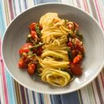 Kohlrabinudeln, Gemüsenudeln mit Speck und Tomate by thecookingknitter.com