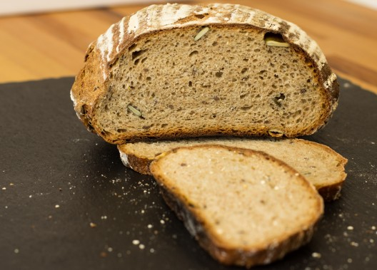 Brot ohne Kneten aus dem Topf by thecookingknitter.com