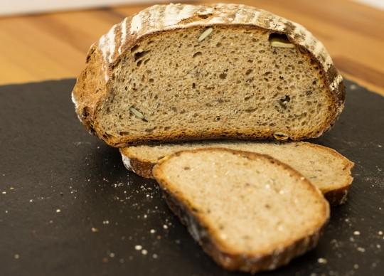 Brot ohne Kneten aus dem Topf by thecookingknitter.com