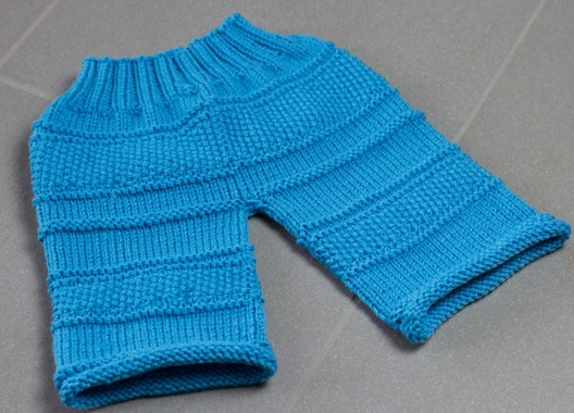 Gestrickte Babyhose by thecookingknitter.com